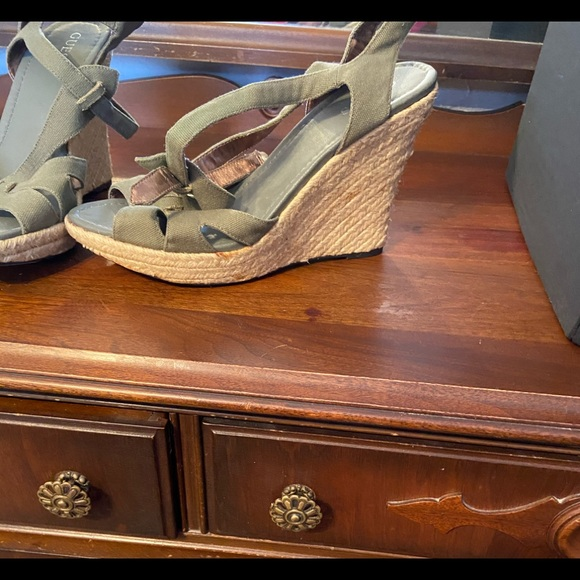 Guess wedge sandal